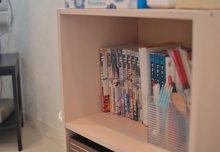 1Fリビングの本棚の様子。