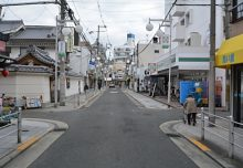 松寿園前の道路