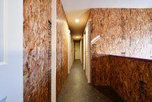 2F・個室前廊下。