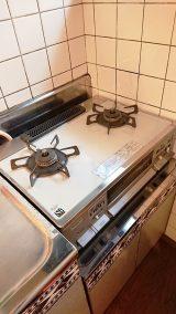 キッチン:ガスコンロ(2口)